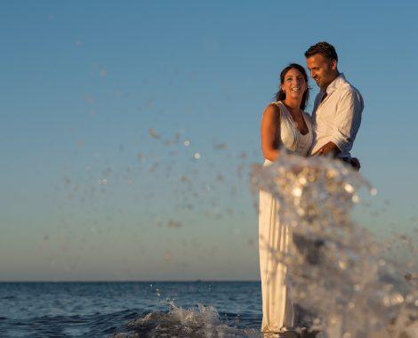 huwelijk fotograaf Heerhugowaard, bruidspaar in het water, trouwen, touwerij, trouwreportage, bruiloft, bruiloftsfotografie