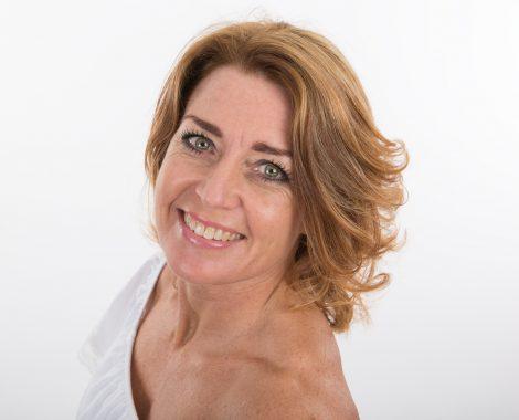 portretfoto Heerhugowaard, Profielfoto vrouw, fotograaf, fotografie, portretten, bedrijfsportret, profielfoto, bedrijfsfotografie